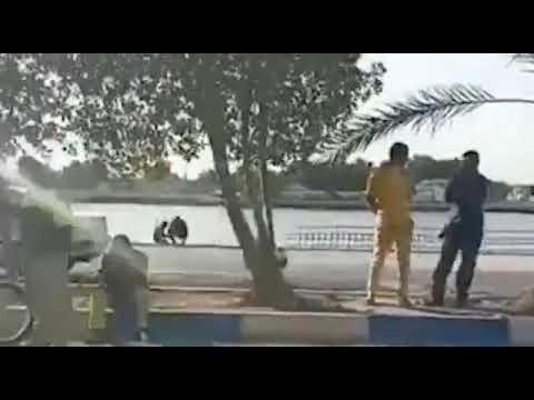 تجمع اعتراضی کارگران شهرداری خرمشهر مقابل فرمانداری