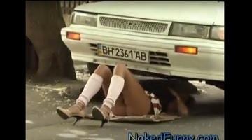 (۱۸+) حکایت پر و پاچه های خانم مکانیک ! - دوربین مخفی سکسی